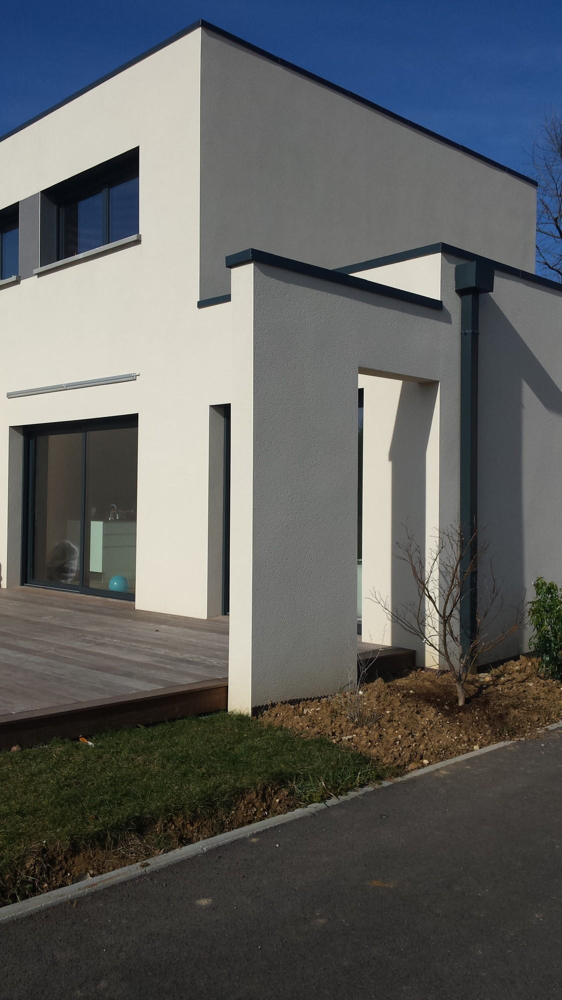 détail contemporain sur architecture maison neuve