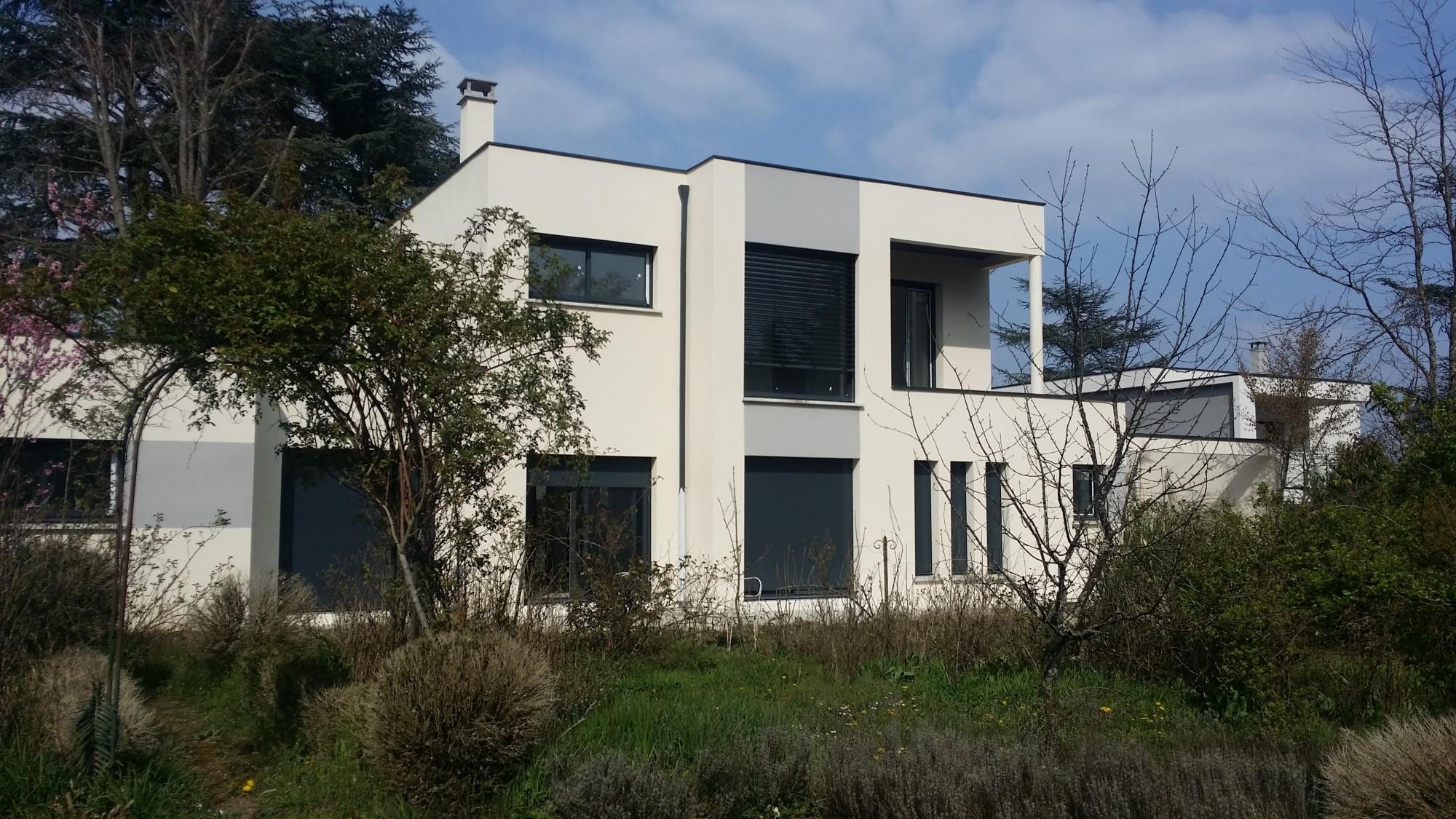 maison contemporaine à la sobriété énergétique