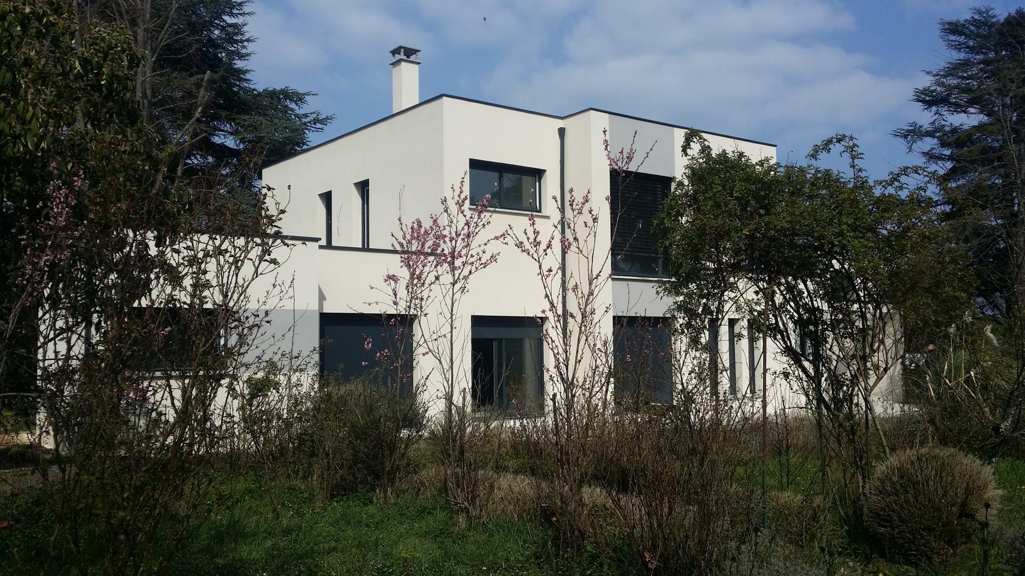 maison à l'élégance racée toits plats