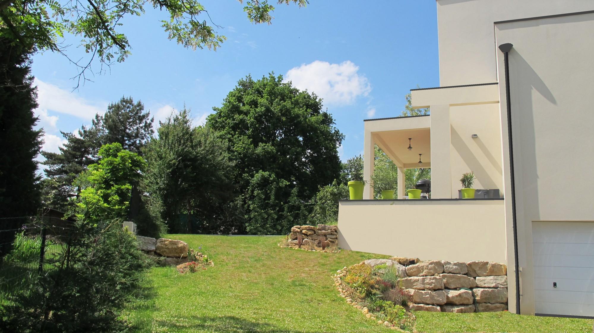 Maison cubique dans l 39 ouest lyonnais bureau d 39 tudes et architectes villefranche sur sa ne - Bureau vallee villefranche sur saone ...