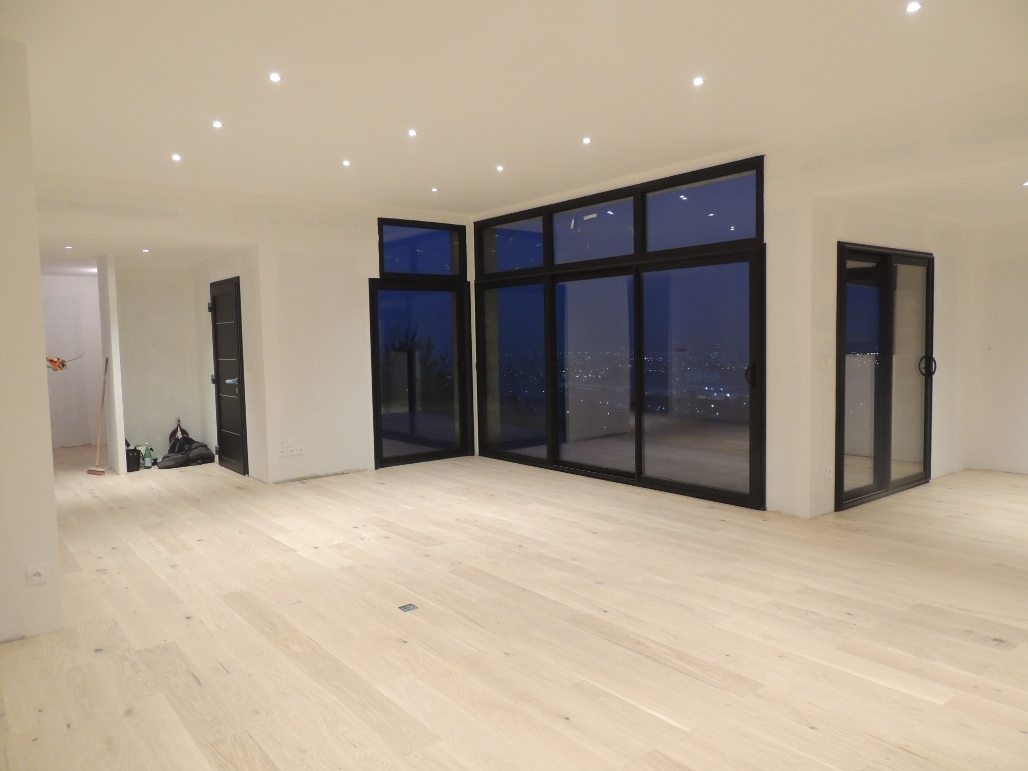 espace intérieur maison contemporaine rhone