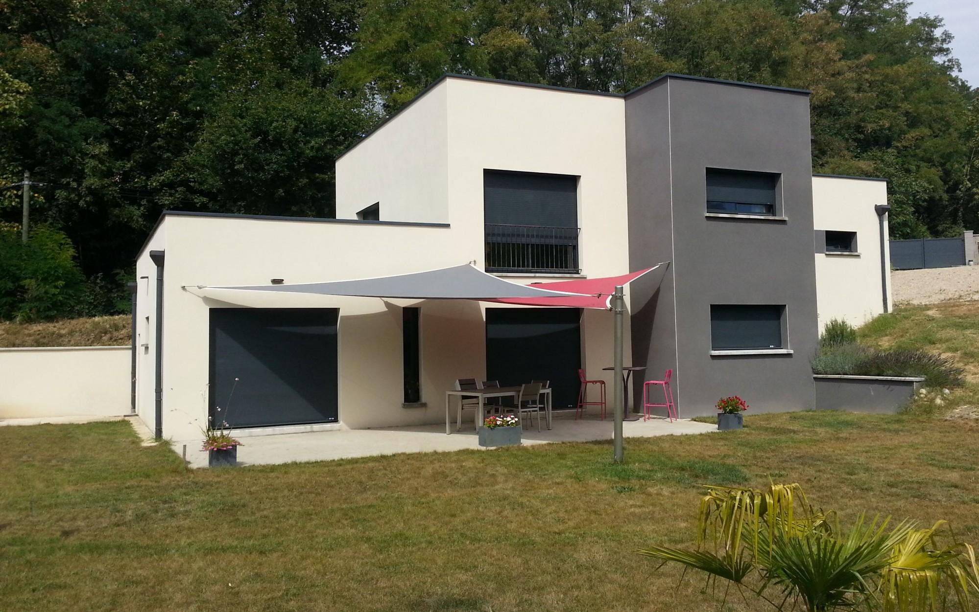 Maison moderne toiture bac acier ventana blog for Toiture maison contemporaine