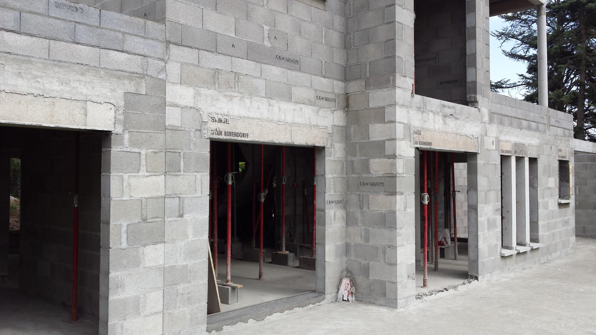 projet et r alisation en cours d 39 une maison toiture terrasse sur charbonni res les bains bureau. Black Bedroom Furniture Sets. Home Design Ideas