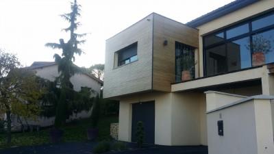 porte a faux maison bardage bois et acier