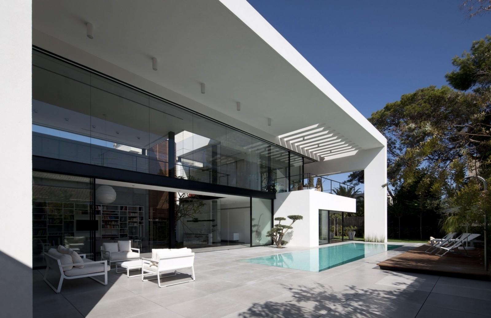 architecte lyon maison moderne avie home. Black Bedroom Furniture Sets. Home Design Ideas