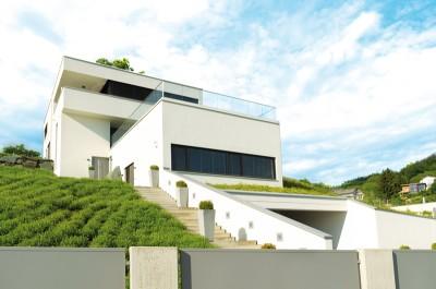 Plan maison contemporaine sur terrain en pente ventana blog - Plan maison terrain en pente ...