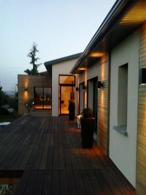 maison contemporaine atypique en bois et acier bureau d 39 tudes et architectes villefranche sur. Black Bedroom Furniture Sets. Home Design Ideas